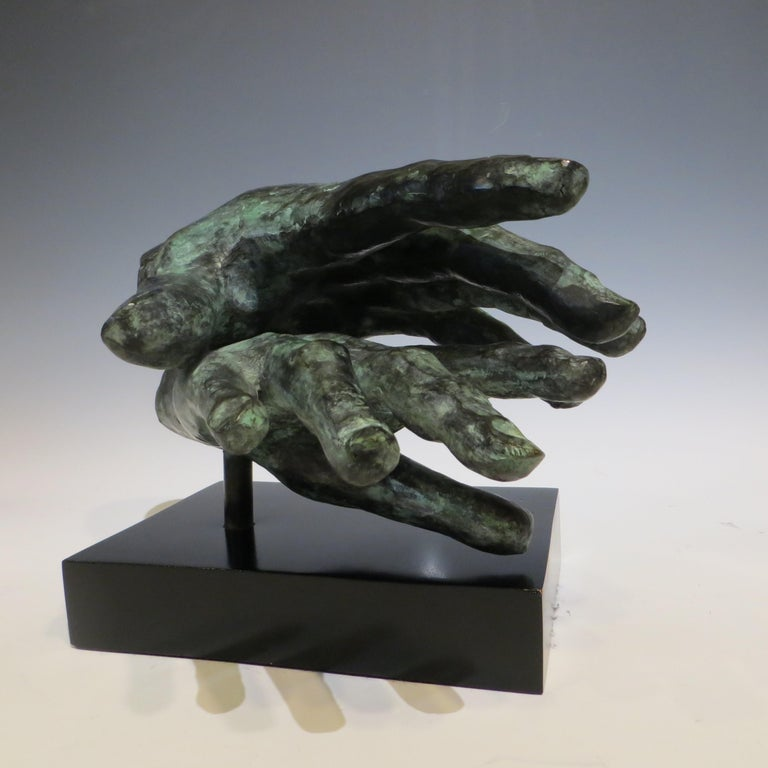 Hand game  - Sculpture by Gerard Ramon