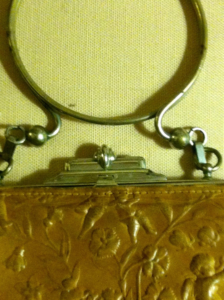 Victorian Embossed Leather Purse For Sale 2