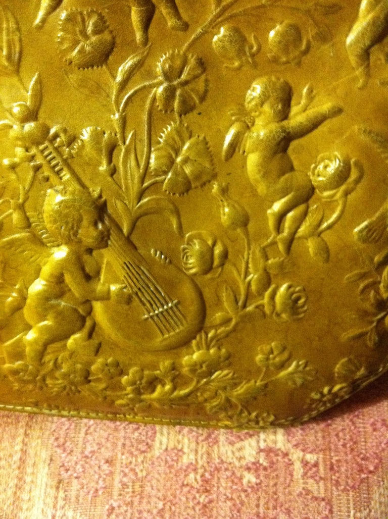 Victorian Embossed Leather Purse For Sale 8