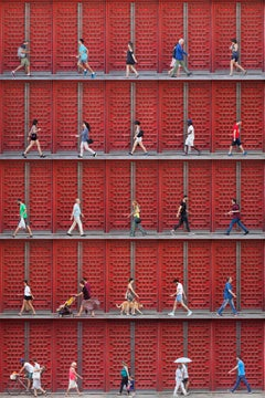 Xan Padron, Photography people walking in Madrid. Architectural. Cityscape. Red.