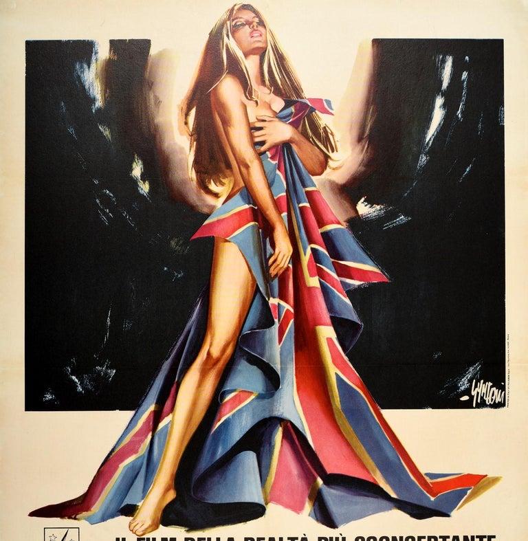 Original Vintage Movie Poster Inghilterra Nuda Naked England Italian Documentary - Beige Print by Sandro Symeoni