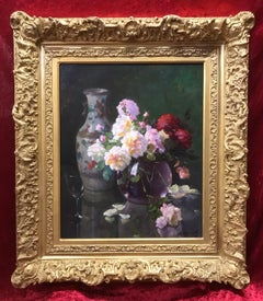 Bunch of Roses with Chinese Vase