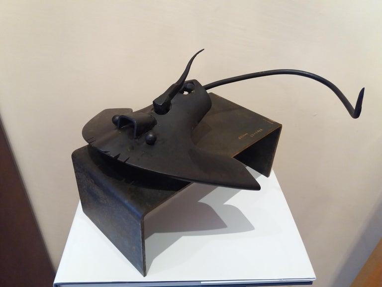 Pez manta Original  unic contemporary iron sculpture - Gray Figurative Sculpture by E. ALEMANY