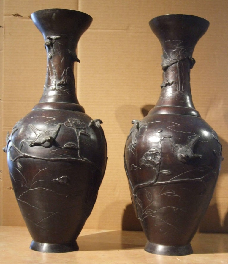 Pair of bronze japanese vases - Naturalistic Art by Unknown