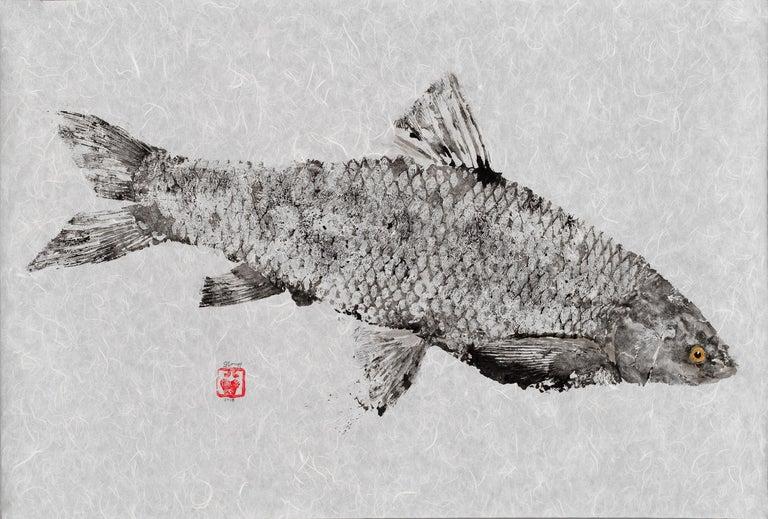 Jeff Conroy Animal Painting - Black Grassie, Yellow Eye - Japanese Style Gyotaku Yellow Eyed Fish Painting