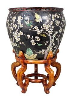 Cachepot in porcelain with famille noire enamel decorations Kangxi mark large