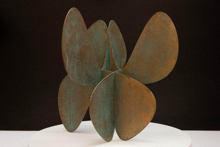 Barricada #11 b S, Abstract Bronze Sculpture - Gold Abstract Sculpture by Alejandro Vega Beuvrin