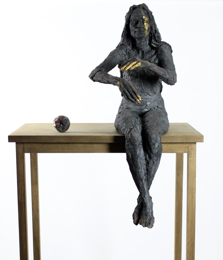 Cécile Raynal Figurative Sculpture - La Sorcière (avec Mathilde) - Female Portrait, Ceramic Sculpture