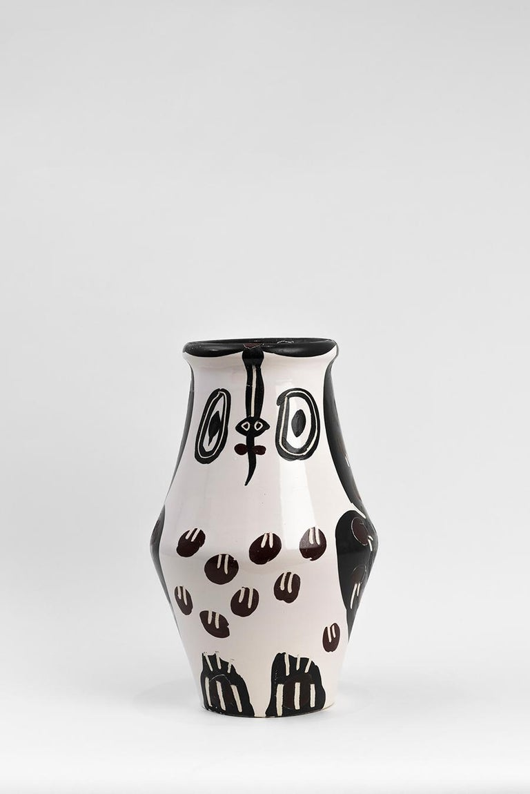 Pablo Picasso - Madoura Ceramic: Black and Brown Owl (Hibou Marron Noir) - Art by Pablo Picasso