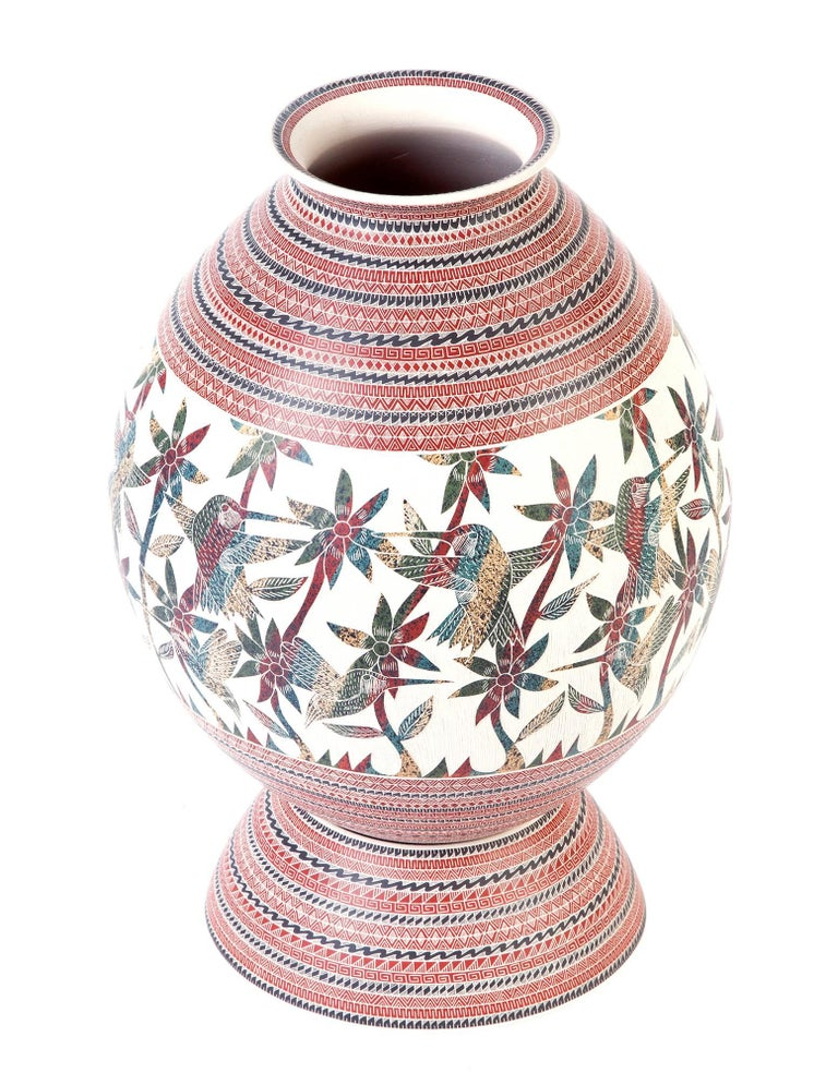 """FREE SHIPPING WORLDWIDE!  Artisan: Martin Olivas Quintana MASTERPIECE Carved polychrome jar decorated with a sgraffito and painted hummingbird, flowers andgeometricdesign.  - Dimensions: 8"""" x 15"""" in or 20 x 37 cm - Color: Red - Weight: 4.4 lb or"""