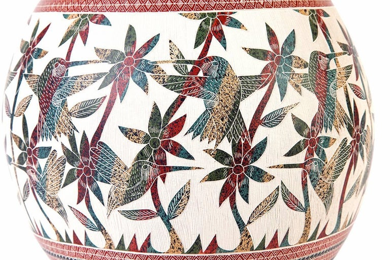 8'' Vasija Multicolor / Ceramic Mexican Folk Art from Mata Ortiz For Sale 4