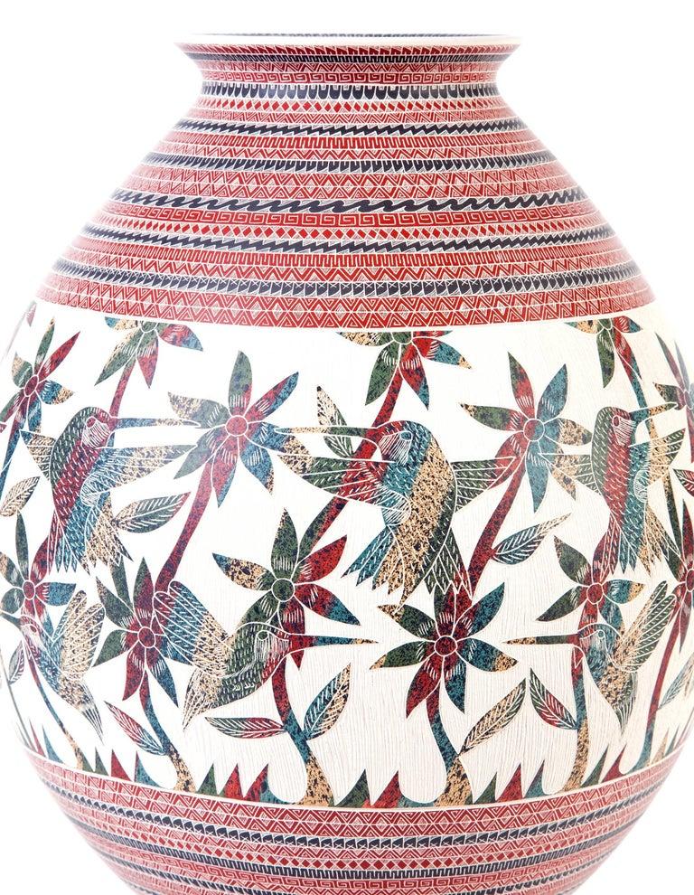 8'' Vasija Multicolor / Ceramic Mexican Folk Art from Mata Ortiz For Sale 1