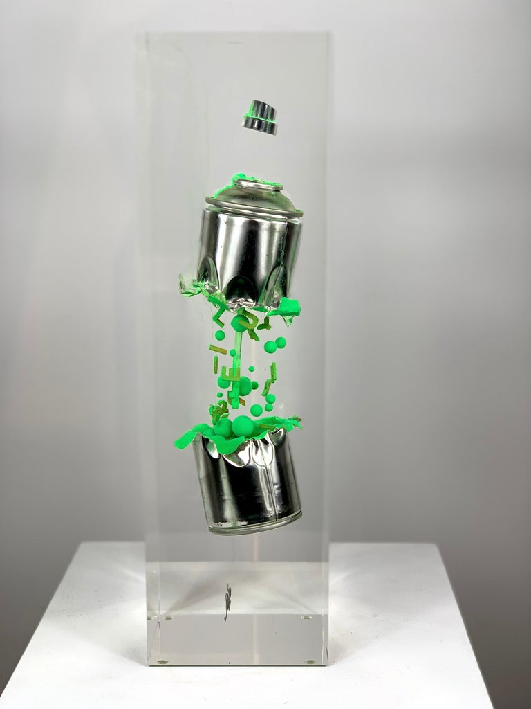Green Spray in two parts For Sale 4