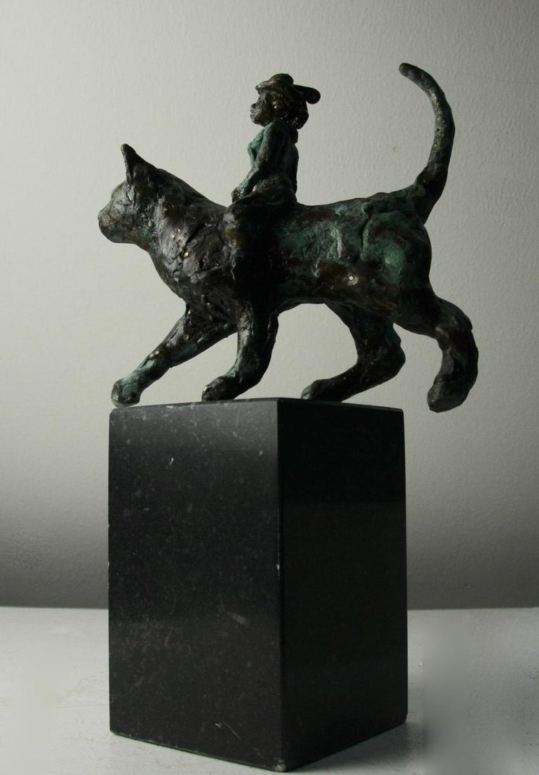 Catwoman by Helle Crawford, Contemporary Green Black Bronze Cat Sculpture For Sale 1