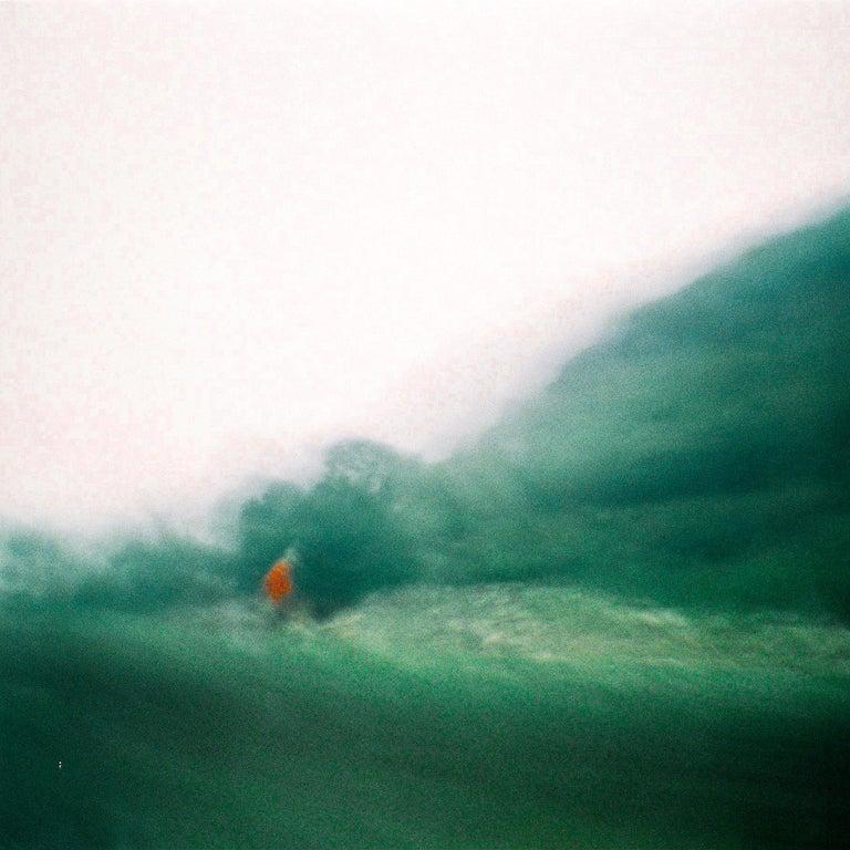 Dorian Feraud Color Photograph - L'homme rouge