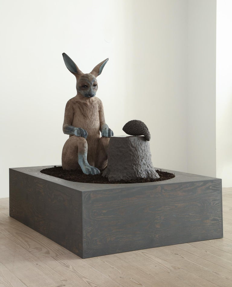 Watching You - Gray Figurative Sculpture by Margit Brundin