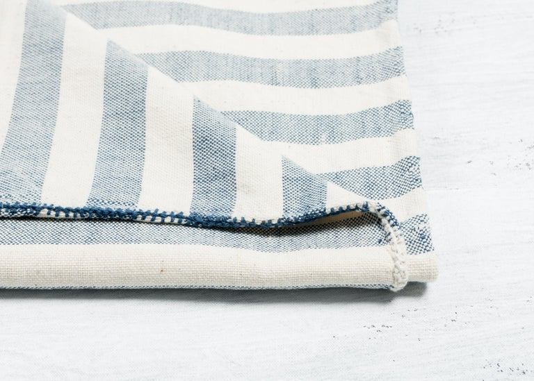 Hand-Woven Aari Handloom Throw / Blanket in Organic Cotton For Sale
