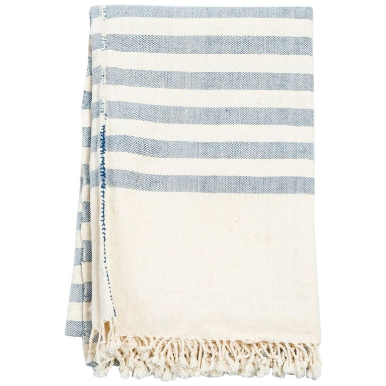 Aari Handloom Throw / Blanket in Organic Cotton For Sale