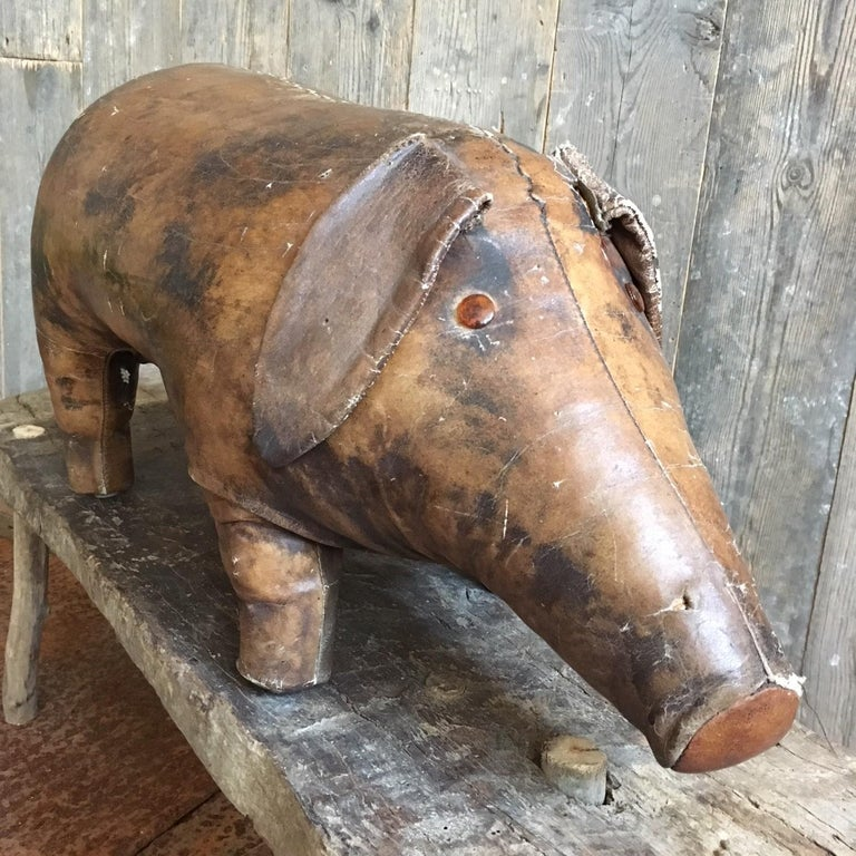 Abercrombie & Fitch Vintage Leather Pig Footstool by Dimitri Omersa In Good Condition In Baambrugge, NL