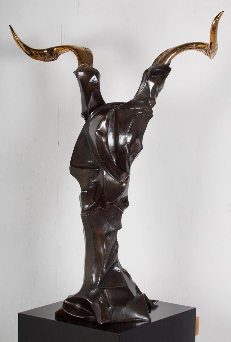 A wonderful bronze sculpture representing