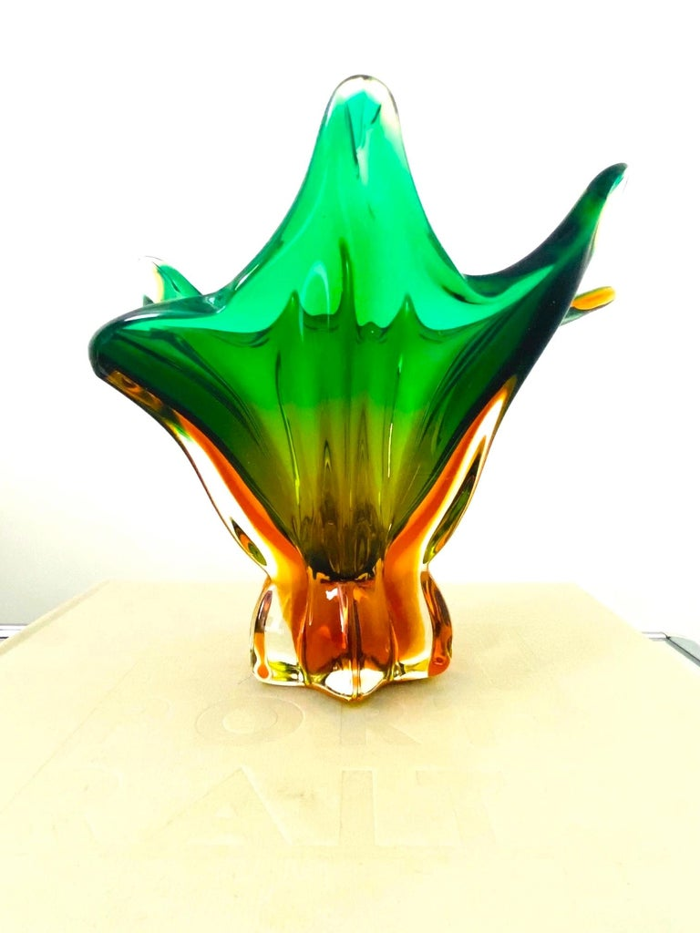 Abstract Murano Sommerso Vase or Bowl in Emerald Green & Orange, Italy, c. 1950 For Sale 5