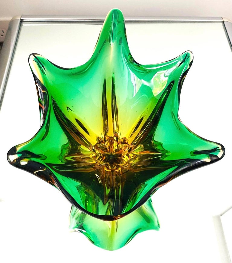 Abstract Murano Sommerso Vase or Bowl in Emerald Green & Orange, Italy, c. 1950 In Good Condition For Sale In Fort Lauderdale, FL