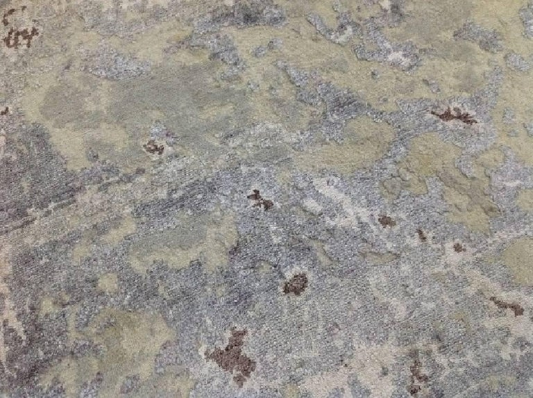 Abstract Organic Rug, Hand Knotted, Wool Silk, Custom Grey Silver White In New Condition For Sale In GREAT NECK, NY