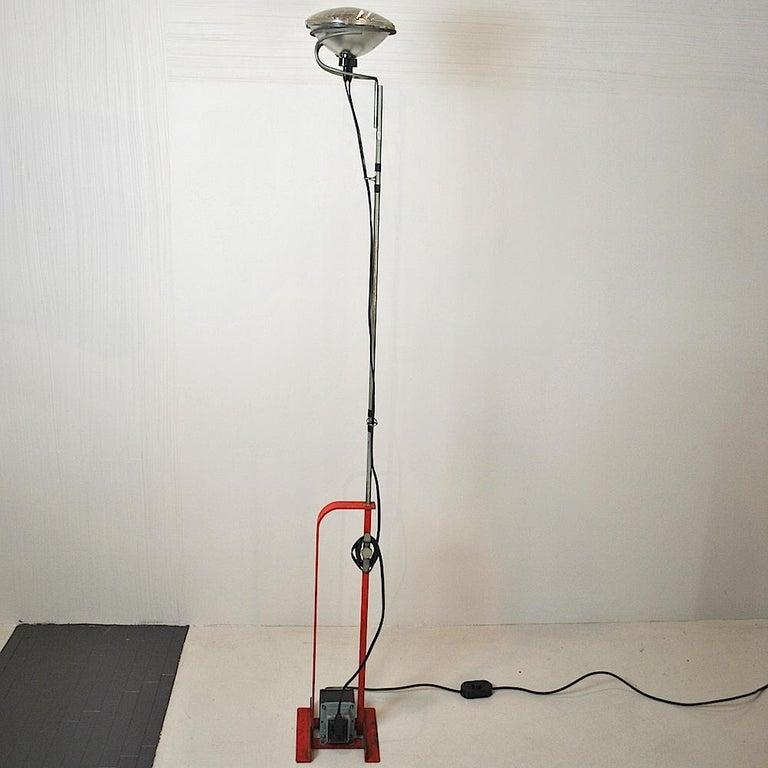 Design Achille Castiglioni.Achille Castiglioni Italian Designer Floor Lamp Toio