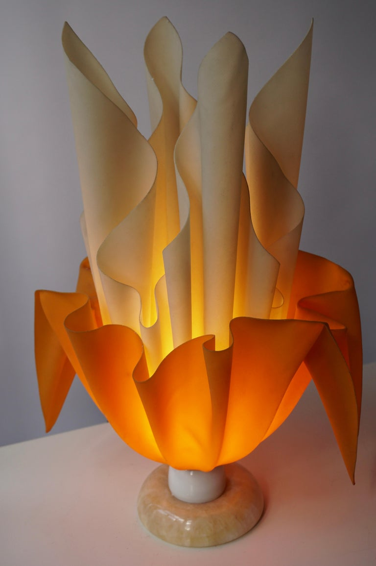 Acrylic Sculptural Table Lamp, 20th Century For Sale 1