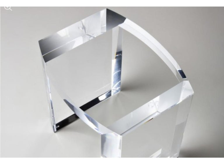 Acrylic Side Table Solid Italian End Table Clear Lucite In Excellent Condition For Sale In Carmel Valley, CA