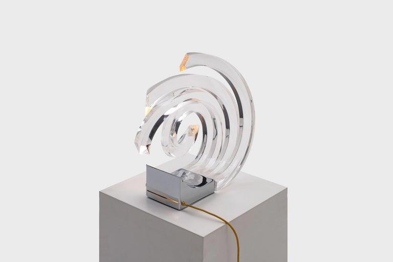 Mid-Century Modern Acrylic Table Lamp by Gaetano Missaglia For Sale