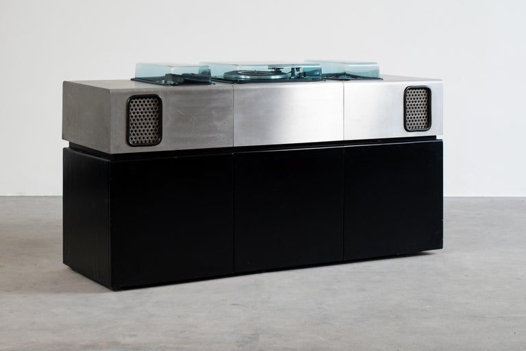 Extremely rare music sideboard with a refrigerated bar designed by Adalberto Dal Lago and Adam Tihany for Giuseppe Rossi di Albizzate, 1974, Italy. Turntable, 8 track cassette, radio and amplifier with two built-in loudspeakers. Structure in