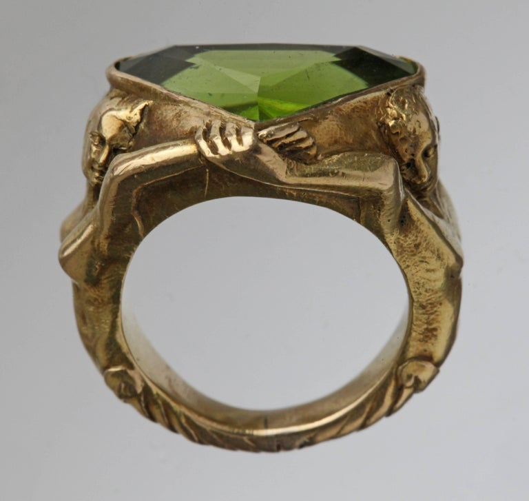 Circa 1930 Adam & Eve Paradise Peridot 18 Karat Gold Cocktail Engagement Ring For Sale 6