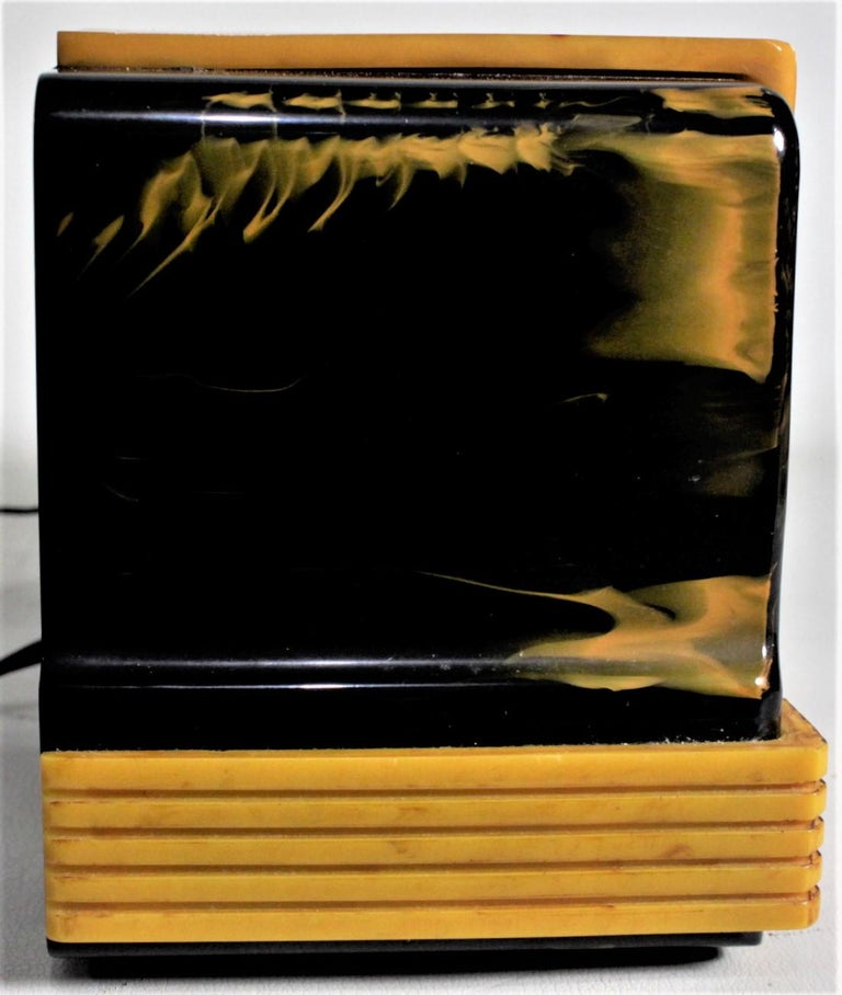 Addison Art Deco Model B2E Black & Yellow Marbled Catalin 'Waterfall' Tube Radio For Sale 3