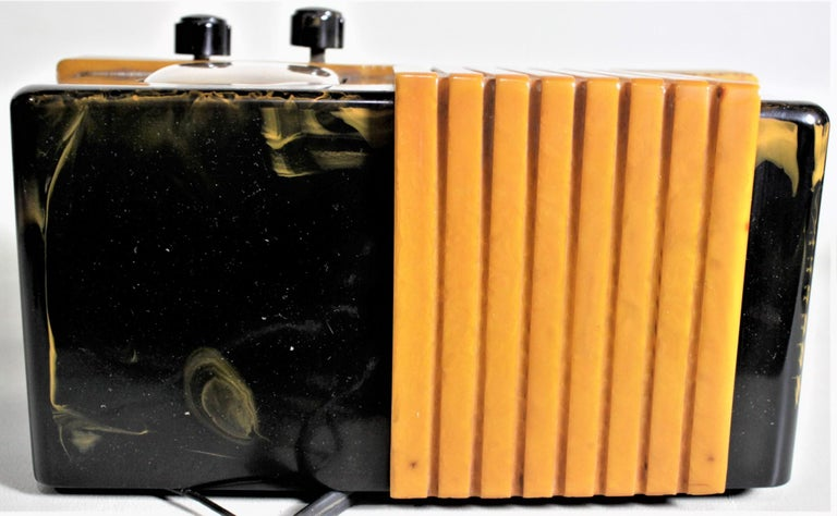 Addison Art Deco Model B2E Black & Yellow Marbled Catalin 'Waterfall' Tube Radio For Sale 4