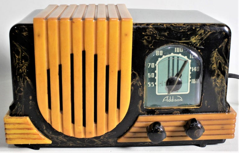 This Art Deco styled vintage tube radio was made by the Addison Industries Ltd. of Canada in circa 1947. This is Addison's model B2E, otherwise known as one of the 'Waterfall