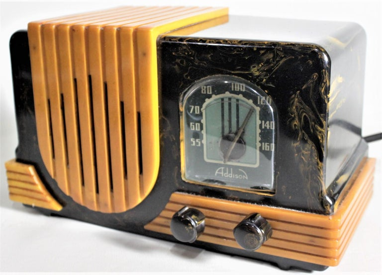 Canadian Addison Art Deco Model B2E Black & Yellow Marbled Catalin 'Waterfall' Tube Radio For Sale