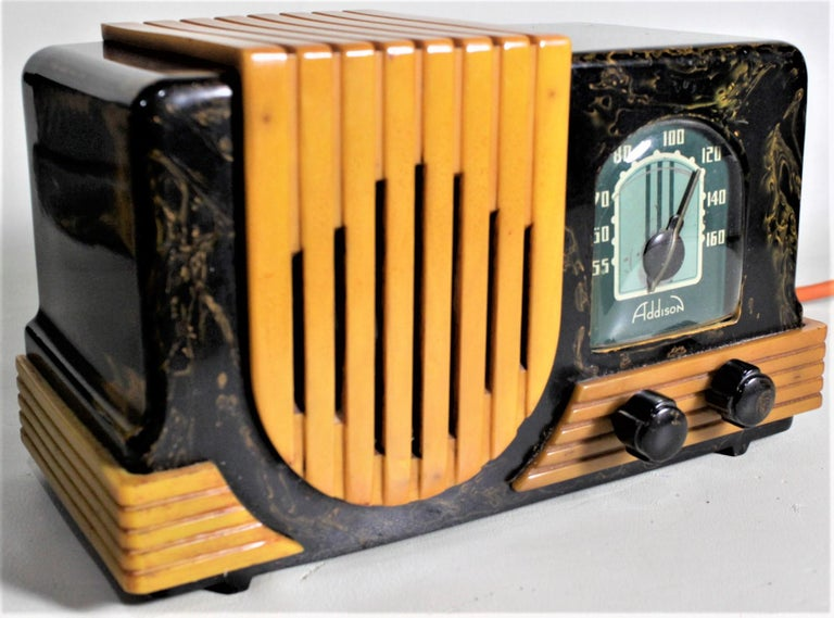 Machine-Made Addison Art Deco Model B2E Black & Yellow Marbled Catalin 'Waterfall' Tube Radio For Sale