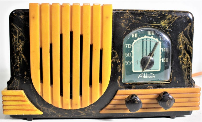 Addison Art Deco Model B2E Black & Yellow Marbled Catalin 'Waterfall' Tube Radio In Good Condition For Sale In Hamilton, Ontario