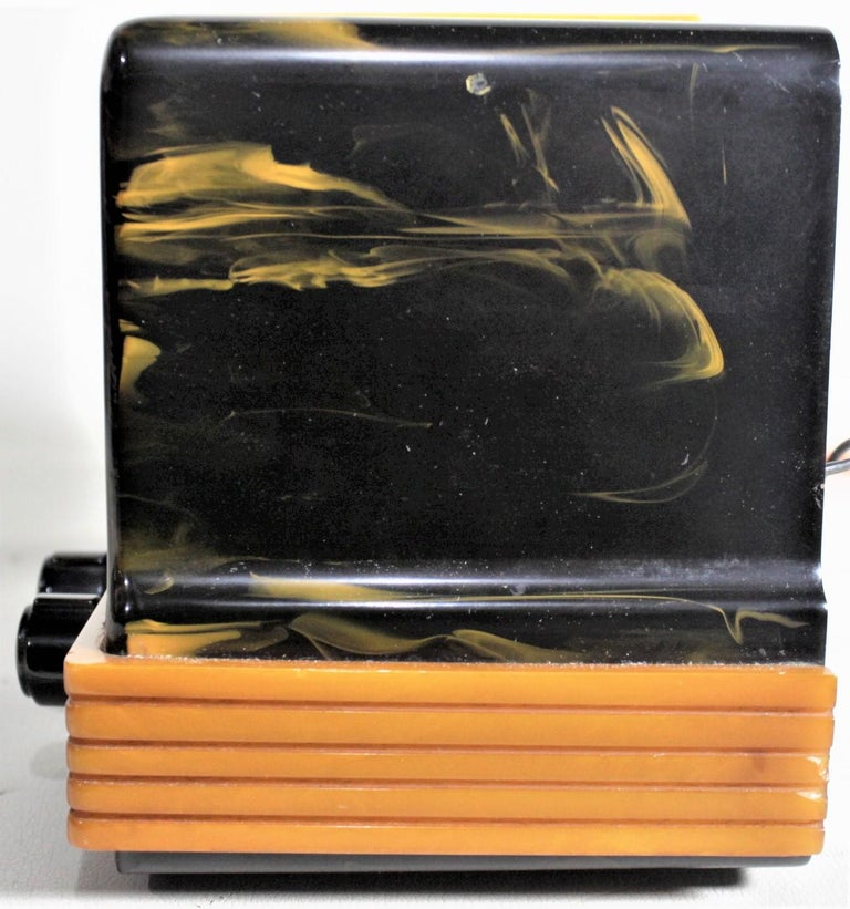 20th Century Addison Art Deco Model B2E Black & Yellow Marbled Catalin 'Waterfall' Tube Radio For Sale