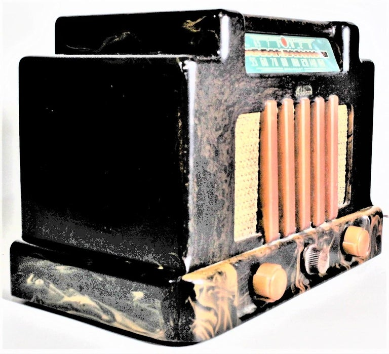 Art Deco Addison Model 5D Black & Butterscotch Marbled Catalin 'Courthouse' Tube Radio For Sale
