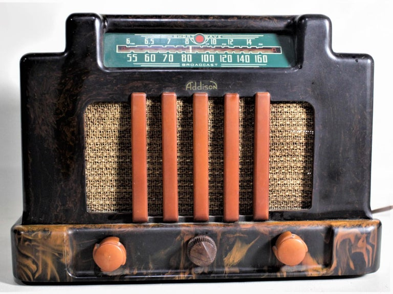 Machine-Made Addison Model 5D Black & Butterscotch Marbled Catalin 'Courthouse' Tube Radio For Sale