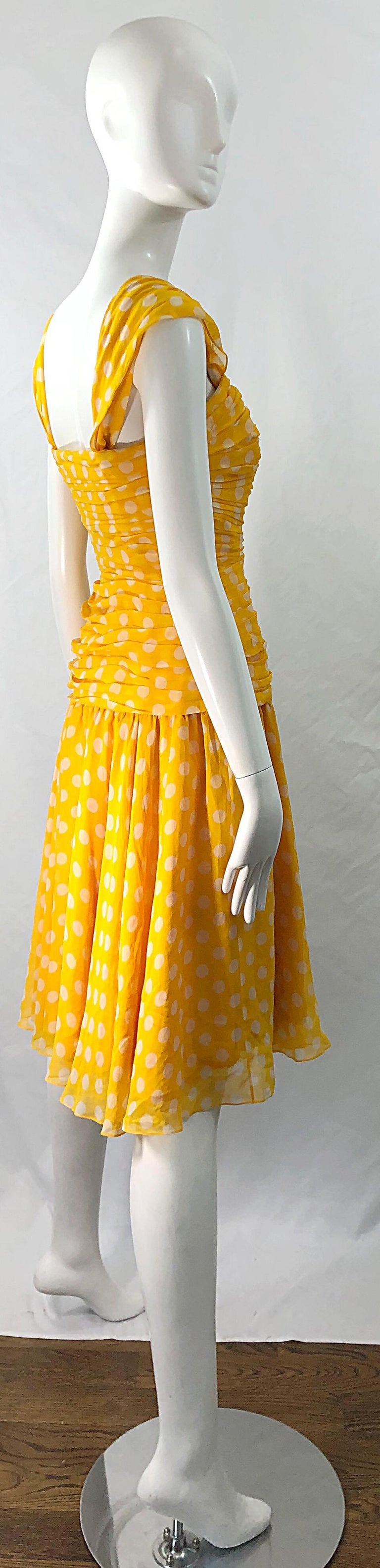 Adele Simpson 1980s Size 4 Yellow White Silk Chiffon Polka Dot Vintage 80s Dress In Excellent Condition For Sale In Chicago, IL