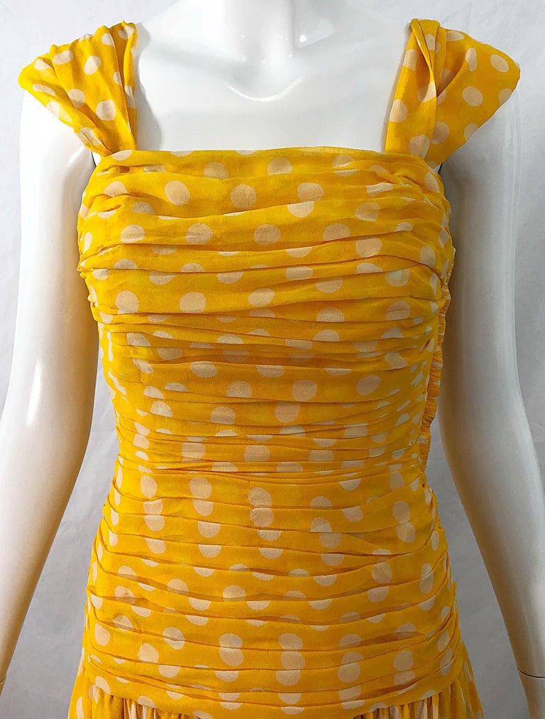 Women's Adele Simpson 1980s Size 4 Yellow White Silk Chiffon Polka Dot Vintage 80s Dress For Sale