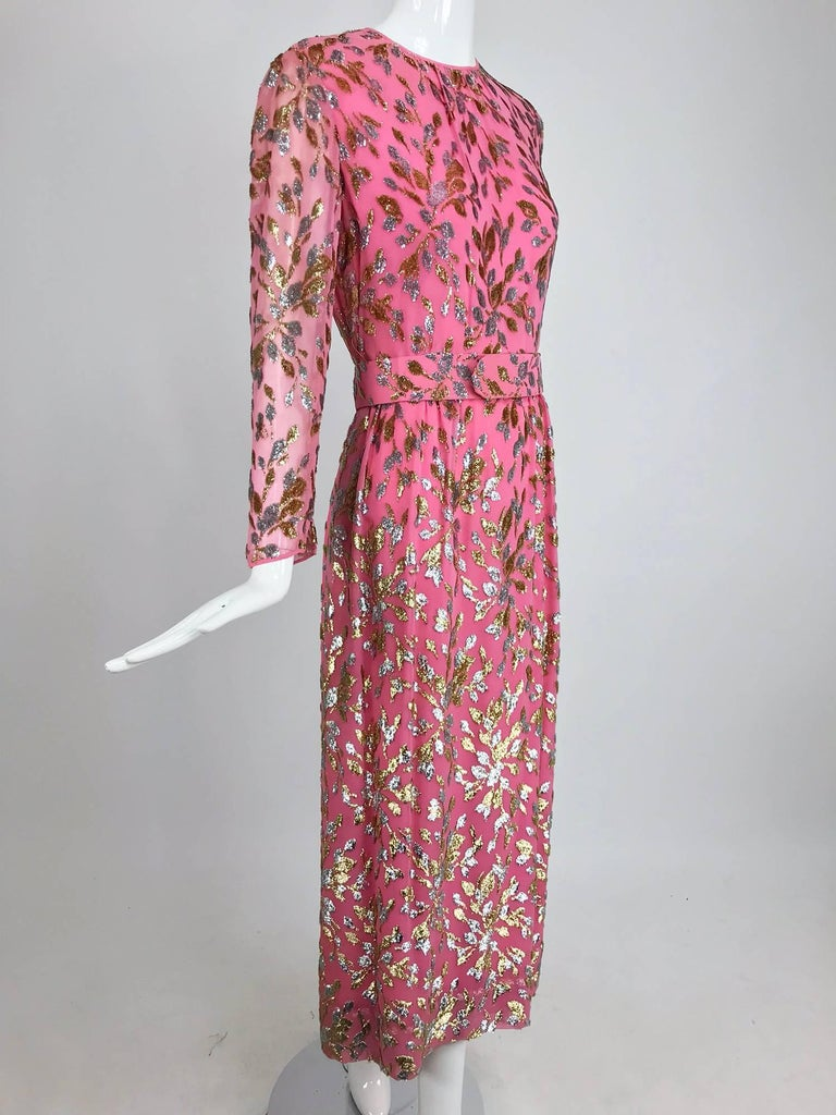 Adele Simpson pink silk metallic devore velvet maxi dress, 1960s In Excellent Condition For Sale In West Palm Beach, FL