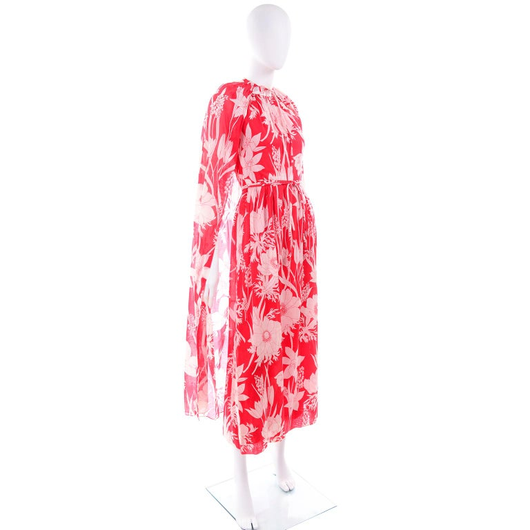 Adele Simpson Vintage 1970s Dress & Cape in Red & White Cotton Floral Print  In Excellent Condition For Sale In Portland, OR