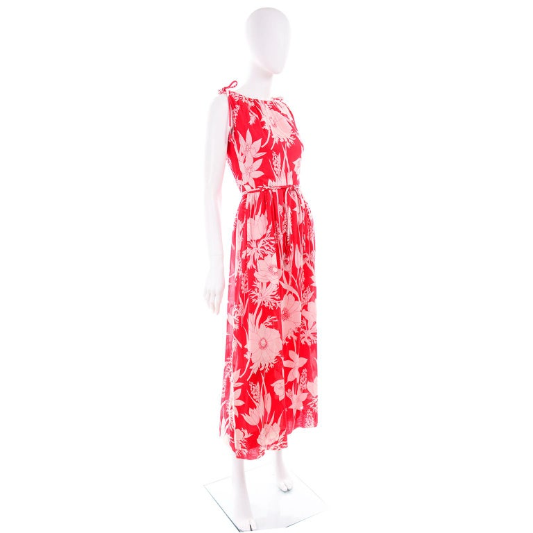 Women's Adele Simpson Vintage 1970s Dress & Cape in Red & White Cotton Floral Print  For Sale