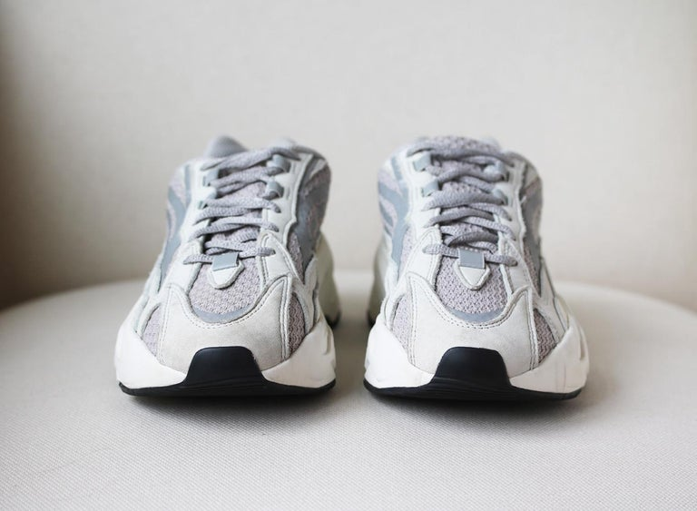 Adidas Yeezy Boost 700 V2 Mesh and Leather Sneakers In Excellent Condition For Sale In London, GB