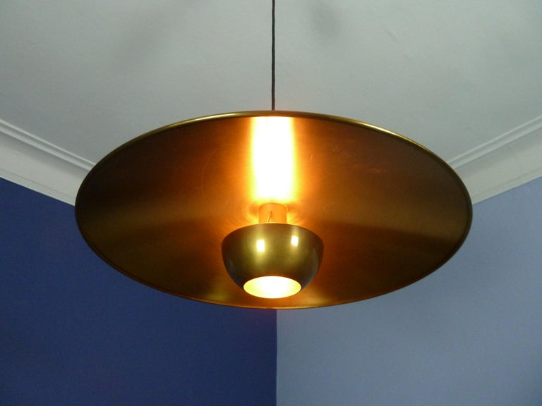 Adjustable Brass Pendant Onos55 by Florian Schulz with a Central Counterweight For Sale 5