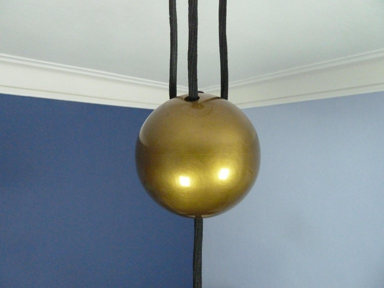 Adjustable Brass Pendant Onos55 by Florian Schulz with a Central Counterweight For Sale 2